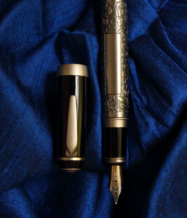 V'sign Proton Flora Fountain Pen